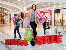 Free Happy Women With Shopping Bags At Store Royalty Free Stock Photos - 33774668