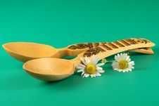 Free Wooden  Spoons And  Flowers Stock Photos - 3380503
