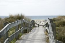 Free Boardwalk To The Beach Royalty Free Stock Images - 3380909