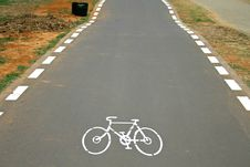 Free Cyclelane Sign On Tarmac Royalty Free Stock Photo - 3383815