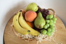 Free Fresh Fruit Basket Stock Photo - 3385680