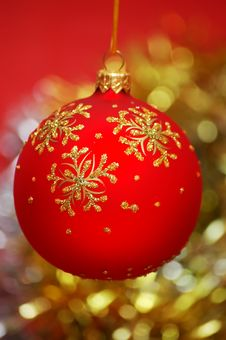 Free Red Christmas Ball Stock Image - 3386861