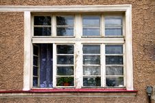 Free Old Window Stock Photography - 33815432