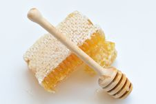 Free Honey And Wooden Spoon Royalty Free Stock Photo - 33816675