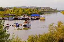 Free Boats On The River Stock Images - 33818384