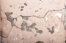 Free The Crack In The Old Pink Wall Stock Photos - 33823353