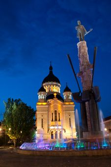 Free Avram Iancu Monument And Orthodox Cathedral, Cluj- Royalty Free Stock Photography - 33824657