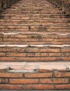Free Brick Steps Leading Upward Royalty Free Stock Images - 33828489