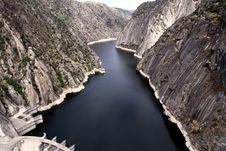 Free Dam Of Aldeadavila Royalty Free Stock Photos - 33862948
