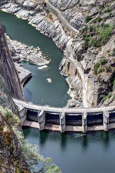 Free Dam Of Aldeadavila Stock Images - 33863324