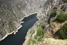 Free Dam Of Aldeadavila Royalty Free Stock Photography - 33863557