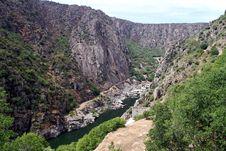 Free Dam Of Aldeadavila Stock Photography - 33863662
