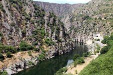 Free Dam Of Aldeadavila Stock Photography - 33863712