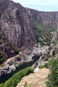 Free Dam Of Aldeadavila Stock Images - 33863994