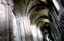 Free Gothic Cathedral Interior Stock Photography - 33867492
