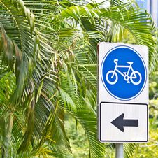 Free Bicycle Sign Stock Image - 33871341