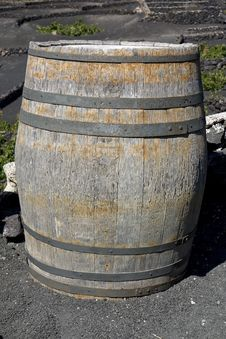 Free Old Barrel Royalty Free Stock Photo - 3390425