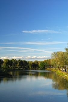 Free Lake In Park Royalty Free Stock Photo - 3391885