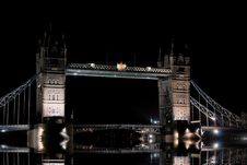 Free Tower Bridge Royalty Free Stock Photography - 3399037