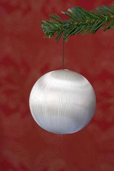 Free Christmas Ball Hanging Royalty Free Stock Images - 3399449