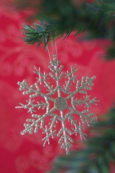 Free Christmas Snowflake Hanging Royalty Free Stock Photography - 3399627