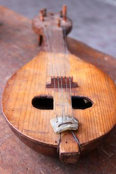 Free Old Mandolin Royalty Free Stock Photography - 33902997