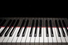 Free Piano Keys Stock Photos - 33933853