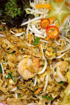 Free Thai Food Fried Rice Sticks With Shrimp Royalty Free Stock Photo - 33944205