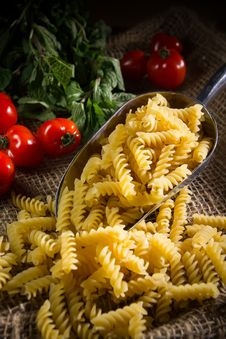 Free Raw Pasta Royalty Free Stock Photography - 33971947