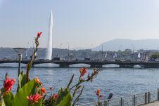 Free Bridge And Fountain Stock Image - 33979211