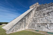 Free Chichen Itza Pyramid Stock Photo - 33979880
