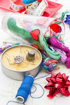 Free Art Of Weaving And Embroidering Royalty Free Stock Photo - 33982885