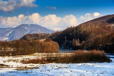 Free Winter Mountain Landscape Near The Village Stock Photo - 33996570