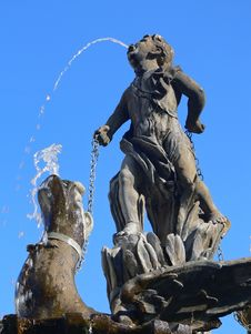 Free Public Fountain Boy And Dragon Royalty Free Stock Photography - 3408247