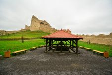 Free The Well And The Medieval Fortress From Rupea. Royalty Free Stock Image - 34016936
