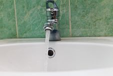 Free Water Tap Royalty Free Stock Image - 34023966