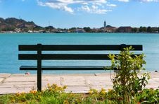 Free Bench On The Shore Of A Bay Stock Photo - 34067770