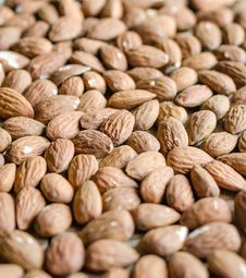 Free Almonds Stock Image - 34073701