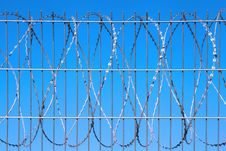 Free Barbed Wire Royalty Free Stock Image - 34084536
