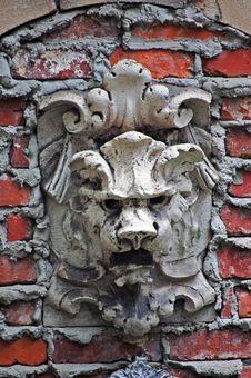 Free Stone Lion Stock Image - 3413111
