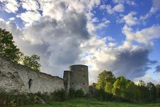 Free Old Tower Under Clouds Royalty Free Stock Photography - 3415717