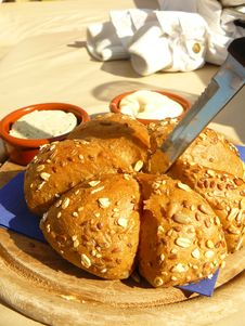 Free Bread With Knife Royalty Free Stock Image - 3418916