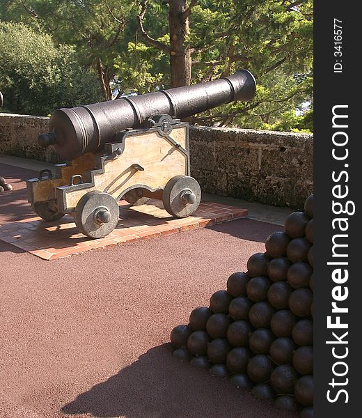 Cannon and balls
