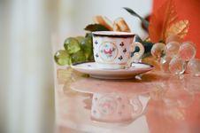 Free Tea Cup Saucer Royalty Free Stock Photos - 34151138