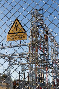Free Electric Central Danger Signal Royalty Free Stock Image - 34161136