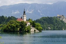Free Church On A Island In The Middle Of The Bled Lake In Bled Stock Image - 34172981