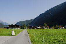 Free Small Village In Tirol Stock Photo - 34183390