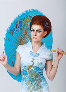 Free Geisha In A Smart Dress With Umbrella Stock Photography - 34186502