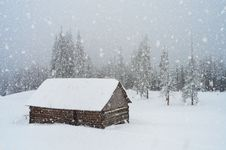 Free Snowfall In The Mountains Stock Photo - 34194860