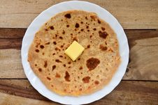 Free Indian Parantha &x28;stuffed Indian Bread&x29; Royalty Free Stock Photo - 34203155